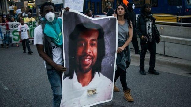 Indemnizan con 3 mdd a familia de afroamericano asesinado por policía en EU