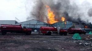 Se incendia bodega de vinos en Iztacalco, CDMX