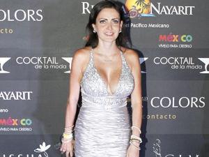¡Celia Lora se desnuda otra vez en portada!