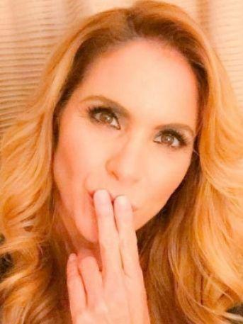 Así se despiden Lucero y Thalía del productor Valentín Pimstein