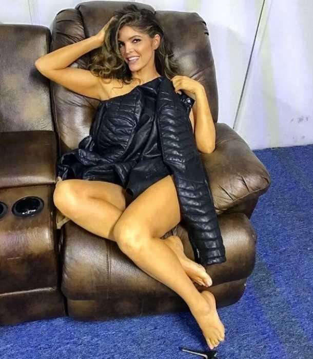 Que hermoso cuerpo tienes mexicana masturbandose - 2 part 5