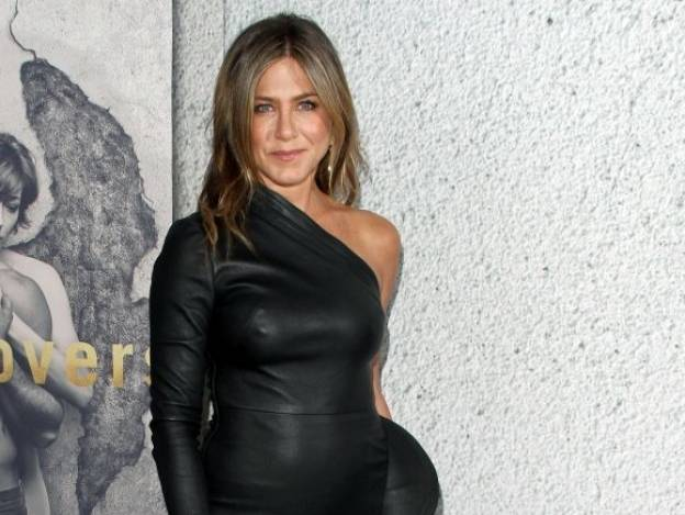 Jennifer Aniston se pasea sin ropa interior