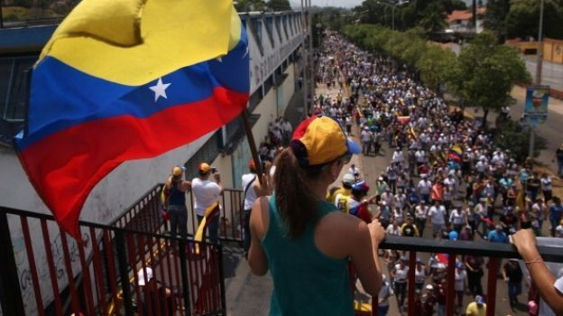México pide suspensión de Asamblea Constituyente