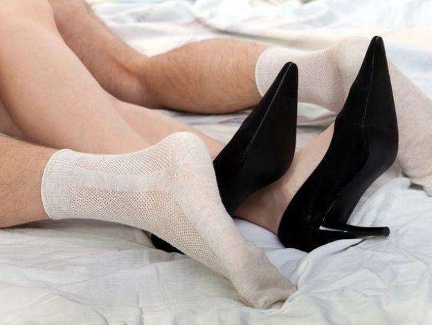 ¿Sexo usando calcetines? ¡Conoce los beneficios!