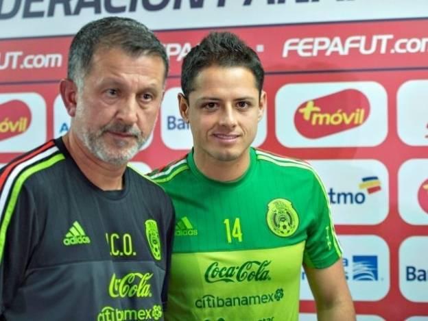 'Chicharito' defiende a Juan Carlos Osorio