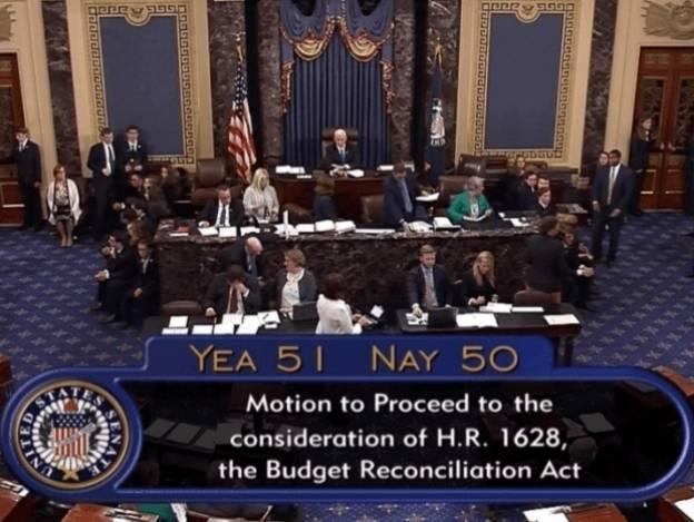 Senado aprueba comenzar debate sobre derogación de Obamacare