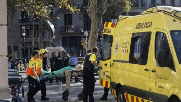 'La prioridad es atender a heridos', dice Rajoy tras atropellamiento en Barcelona