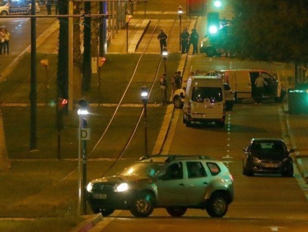 Policías catalanes abaten a 4 presuntos terroristas en Cambrils