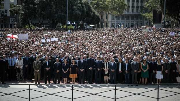 Atentado en Barcelona causa reacción mundial en redes sociales