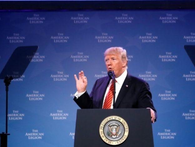 Trump llama a la unidad tras discurso incendiario en Arizona