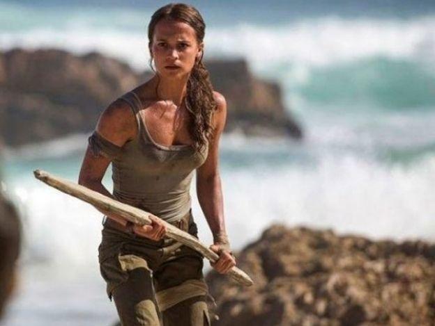 Lanzan primer póster de nueva versión de 'Tomb Raider', ¡y provoca burlas!