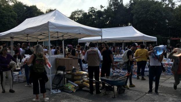 Solidaridad en labores de rescate en la CDMX; instalan albergues