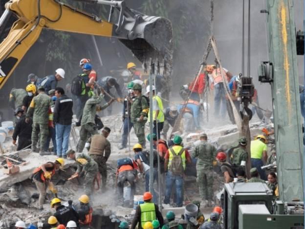 La reacción de la gente, tan intensa como el sismo