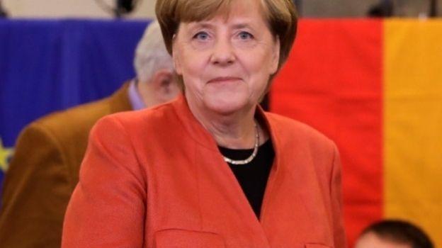 Partido conservador de Merkel gana elecciones, según sondeo