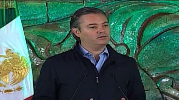 Nuño anuncia reubicación de alumnos de escuelas dañadas por sismos
