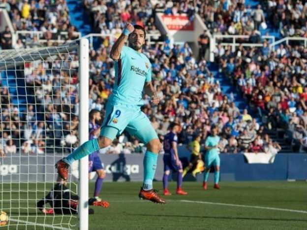 Despierta Suárez en triunfo del Barcelona