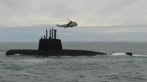 Armada argentina rastrea 'mitad de área' donde desapareció submarino