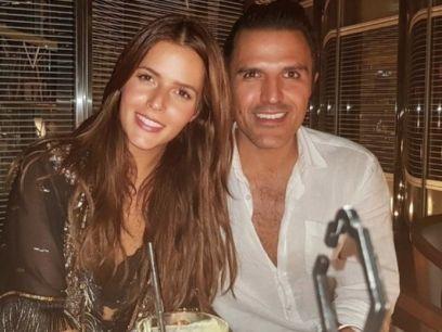 http://espectaculos.televisa.com/farandula/claudia-alvarez-billy-rovzar-aniversario-boda/