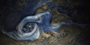 NASA comparte hipnótica foto de supertormenta en Júpiter