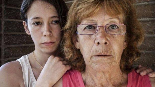 Queda libre mujer que quemó al violador de su hija