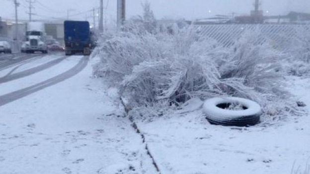 Persiste ambiente de frío a gélido; continúan las nevadas