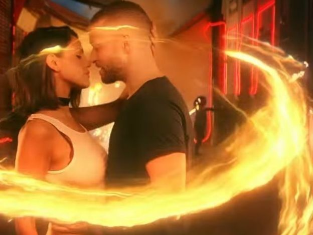 ¡Justin Timberlake y Eiza González se besan muy apasionadamente!