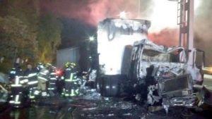 Se incendia tráiler en la autopista México-Cuernavaca