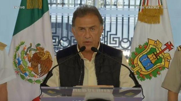 Ofrecen un millón de pesos por asesinos de 4 personas en Amatlán