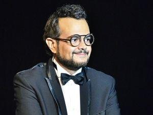 Aleks Syntek, contra tuiteros por  'Música Godínez'