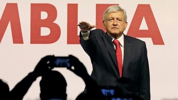 AMLO juramenta como candidato a la presidencia por Morena