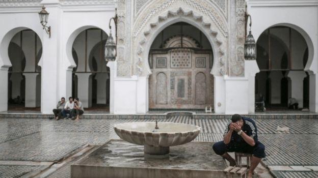 Arrestan a imán marroquí acusado de violar a 6 niños en una mezquita