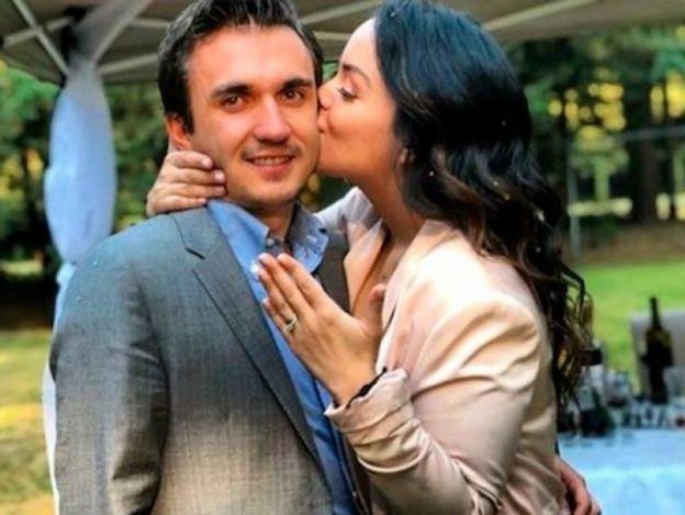 'Ludoviquito' anuncia su compromiso con romántica foto