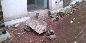 Cae rayo en torre de Catedral Metropolitana