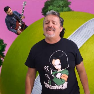 Adrián Barba canta popurri de 'Dragon Ball Super'