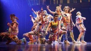 Muere acróbata de Cirque du Soleil tras caer al escenario