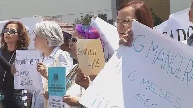 Damnificados del sismo 19S en CDMX guardan minuto de silencio