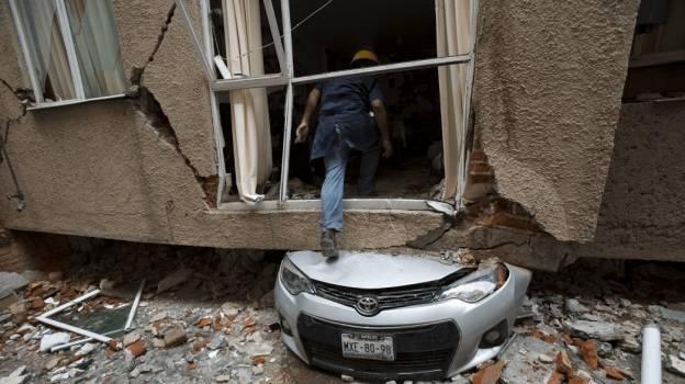 Alfonso Cuarón presenta plataforma digital para transparentar reconstrucción tras sismos