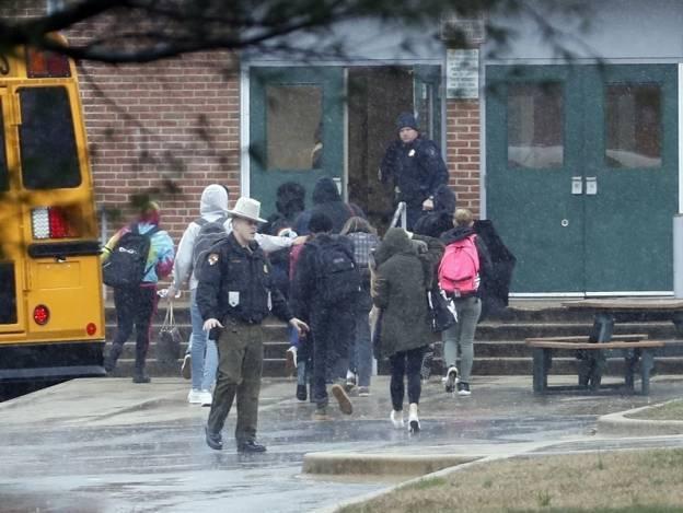 Muere autor de tiroteo de secundaria en Maryland