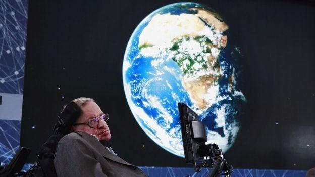 Restos de Hawking, junto a los de Newton y Darwin