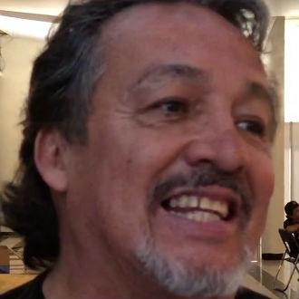 Adrián Barba el interprete de 'El poder nuestro es' y 'Ángeles fuimos'