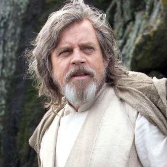 Mark Hamill espera que Luke Skywalker haya encontrado el amor